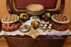 Thanksgiving Dessert Table sm