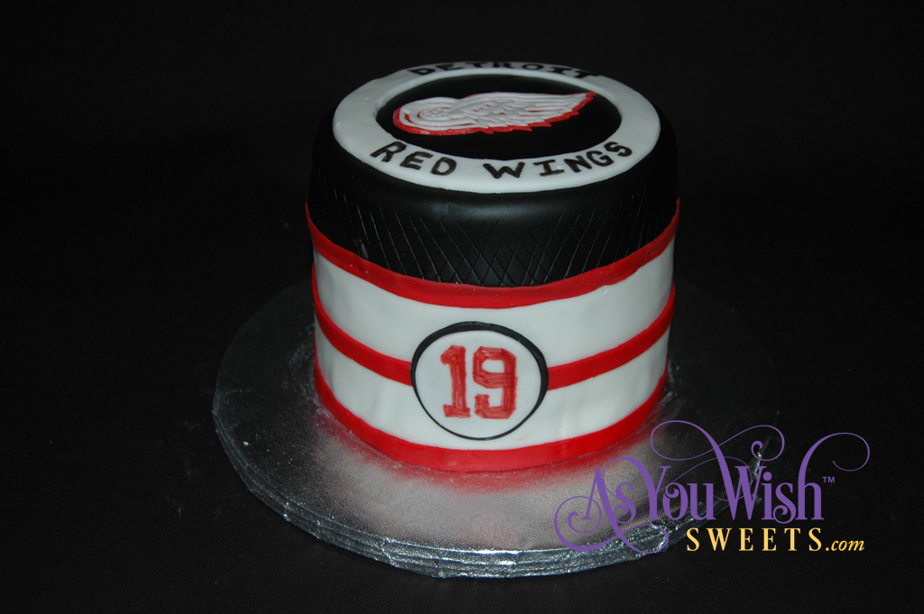 Red Wings Grooms Cake front sm