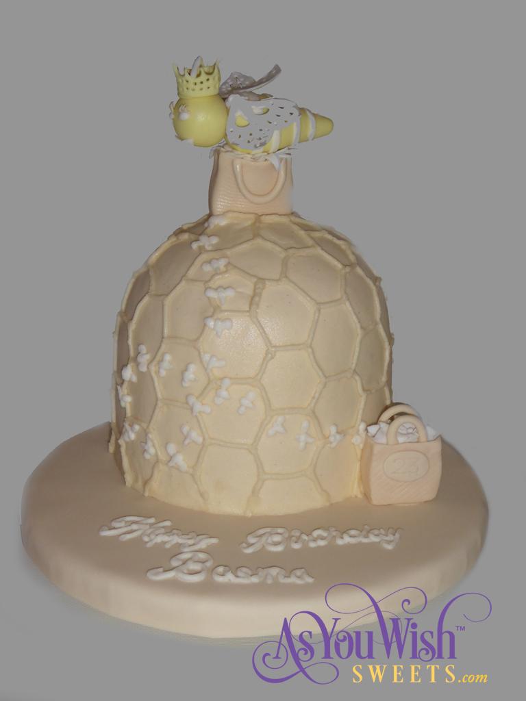Queen Bee Cake sm