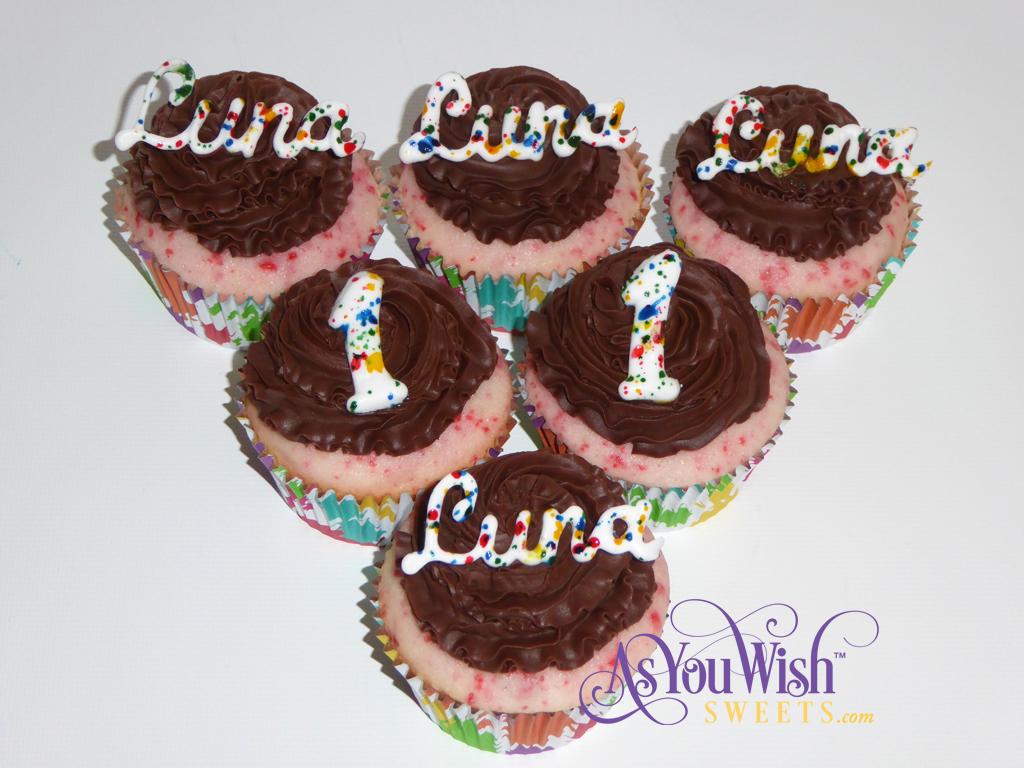 Luna Cupcakes sm
