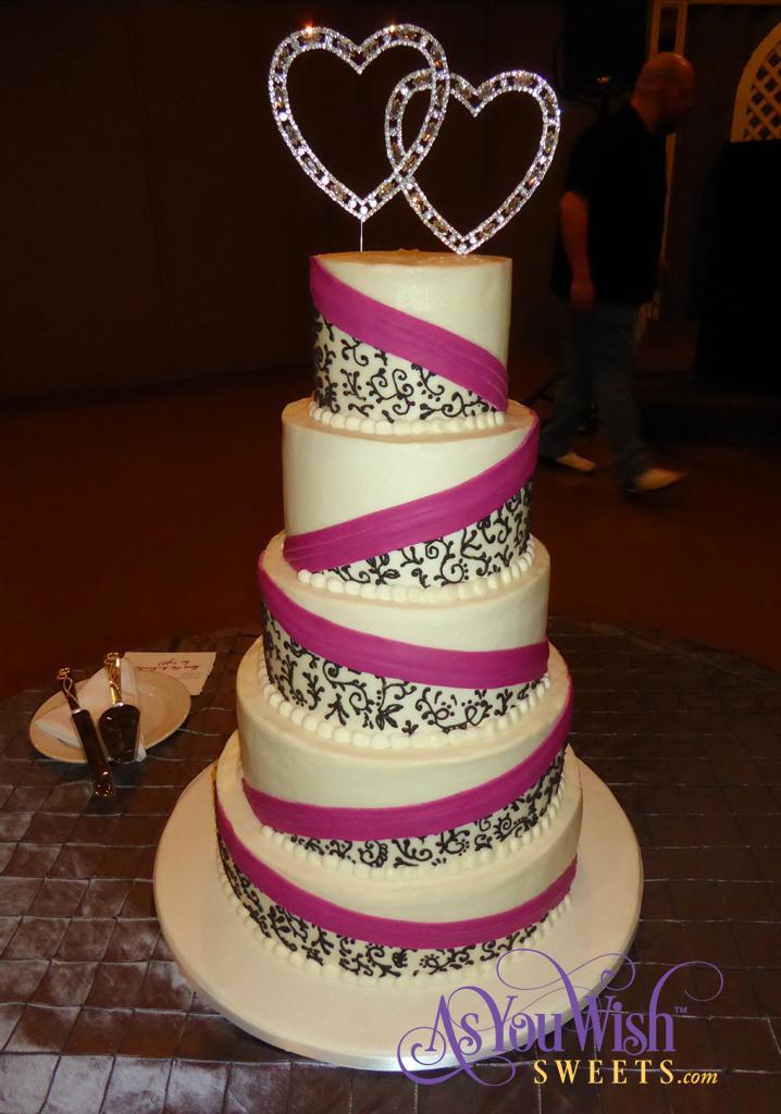 Gardenia Scrolls Wedding Cake sm
