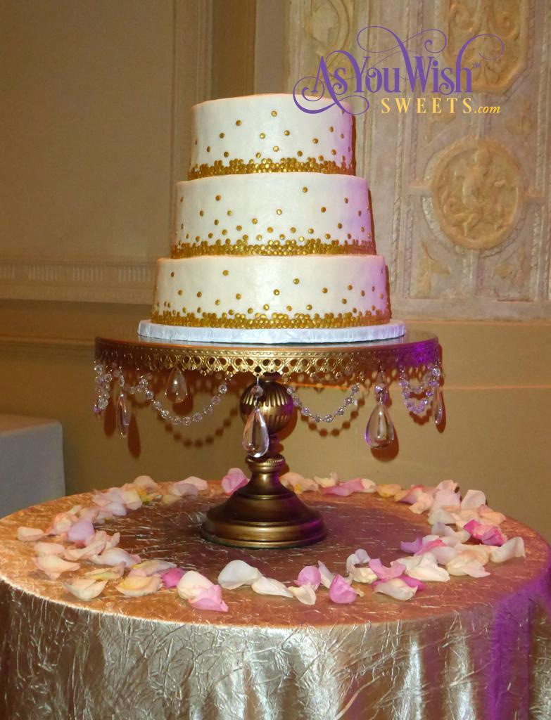 Graduated Dots Wedding Cake 1 sm