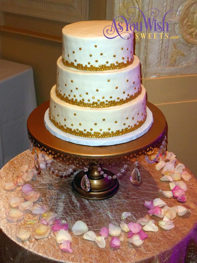 Graduated Dots Wedding Cake 2 sm