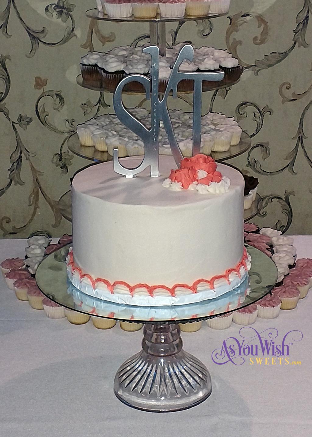 Wedding Cake crop sm