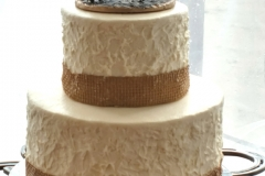 Horseshoe Wedding Cake sm